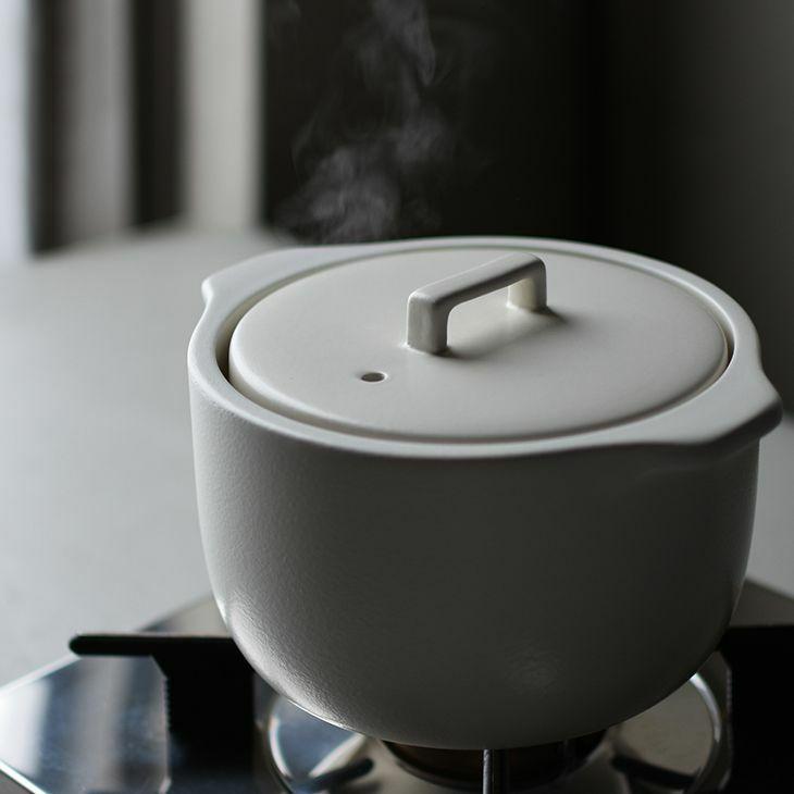 ふっくら美味しく炊き上がる、炊飯直火鍋 KINTO キントー KAKOMI 炊飯土鍋 2合(ホワイト)